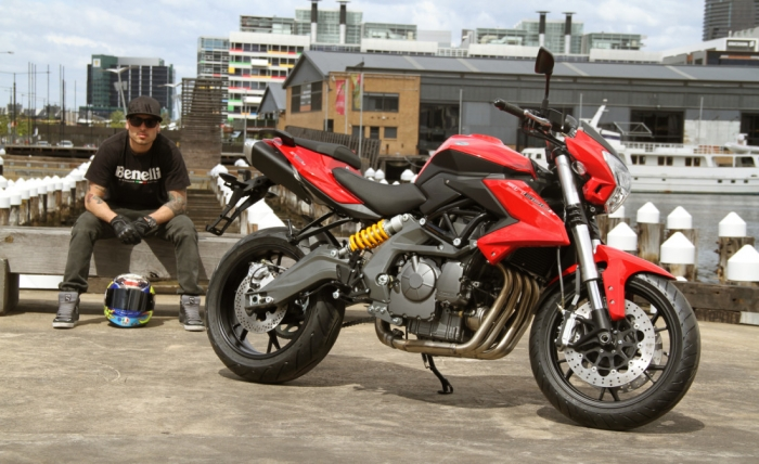 мотоцикл Benelli BN600i